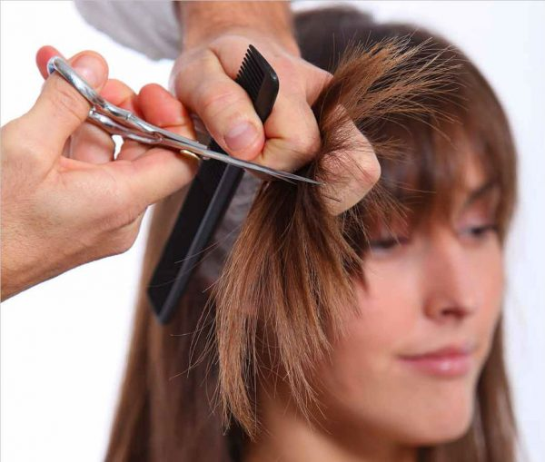 Layered haircuts. All you should know about such hairdo