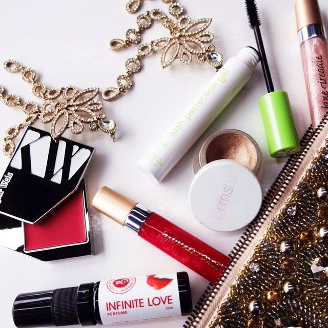 How to piece make-up bag together? We're choosing the best colour cosmetics