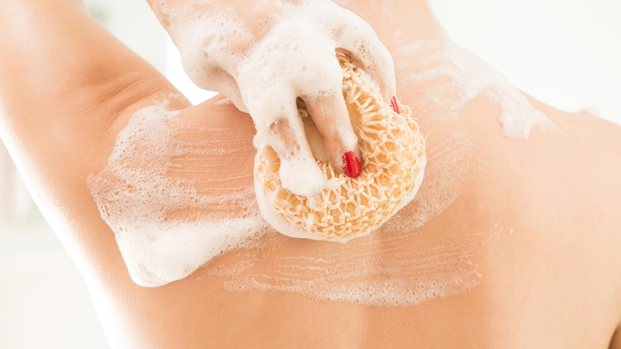 Emollient-Rich Bath Time: Effects, Properties & Benefits