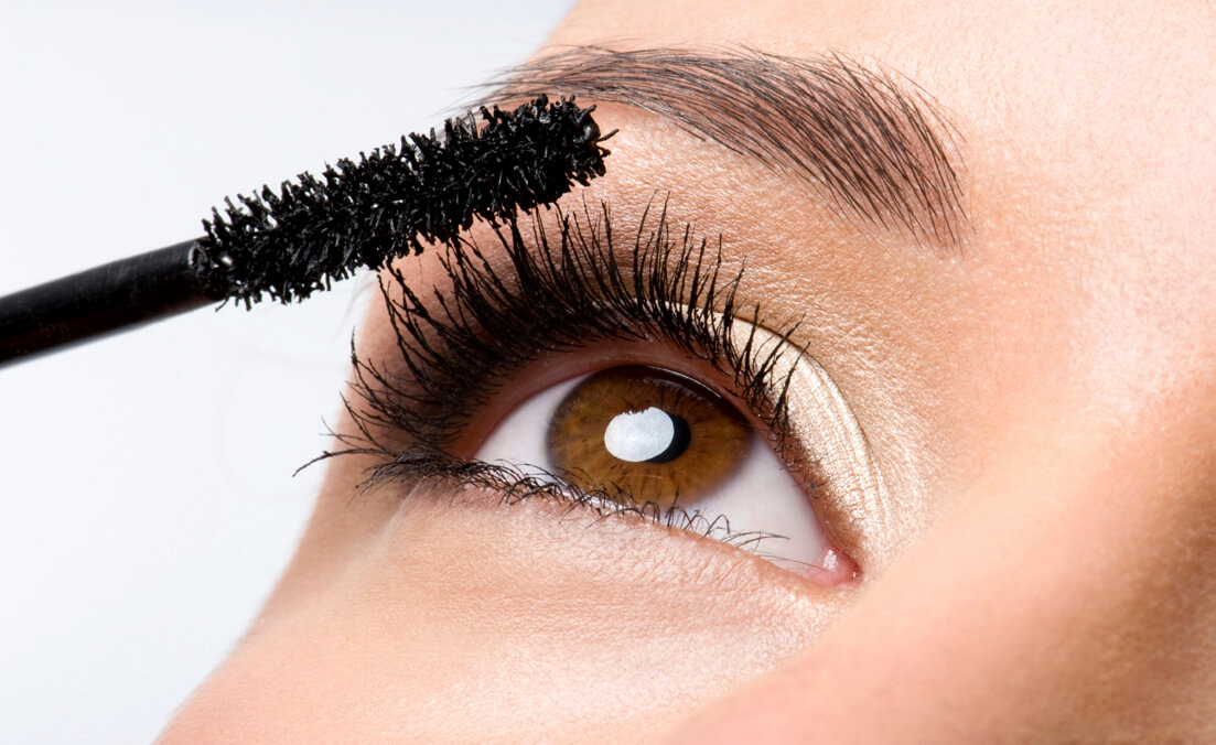 How to Apply Mascara for Insanely-Long Lashes?